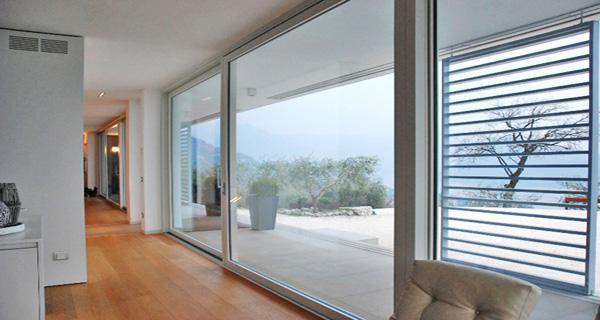 Chiusure in vetro by DENIA Serramenti