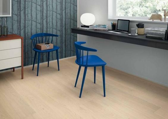 Home office con parquet massello prefinito Slim 180 di rovere, by Paral
