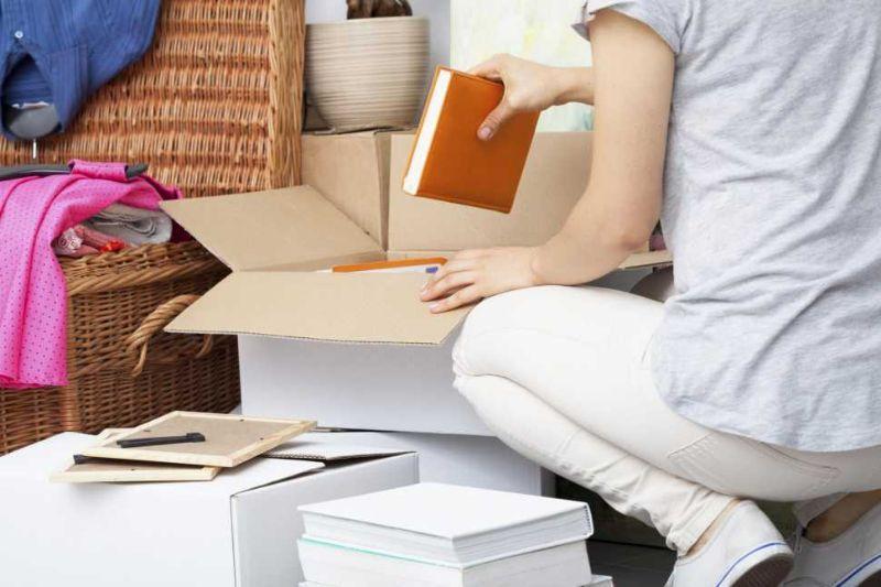 Trasportare gli abiti ed oggetti durante un trasloco