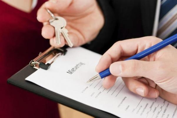 Stipula del contratto di trasloco tra le parti