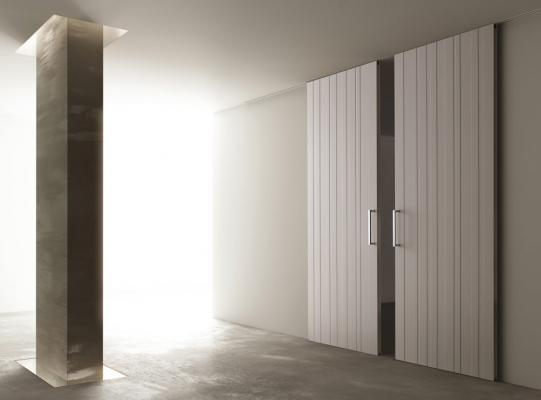 Porte scorrevoli a tutta altezza: STRIP by Ghizzi & Benatti