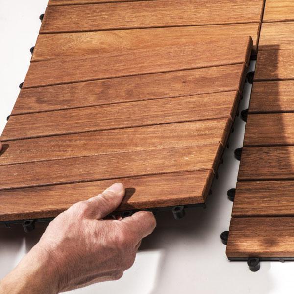 Pavimento legno: FRASSINO LISCIO da esterno, quadrotta autoposante by Onlywood