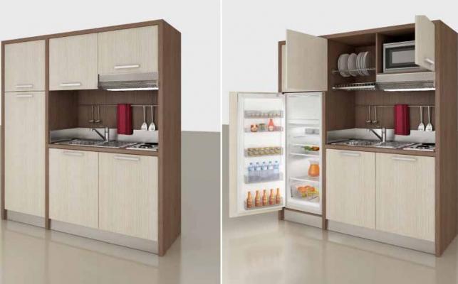 Progetto per monolocale: cucina Mobilspazio con pensili