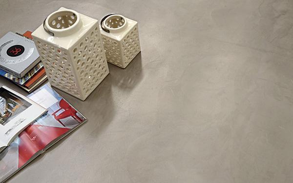 SpazioResina, finitura spatolata chiaroscurale del brand SPAZIOCONTINUO Litokol