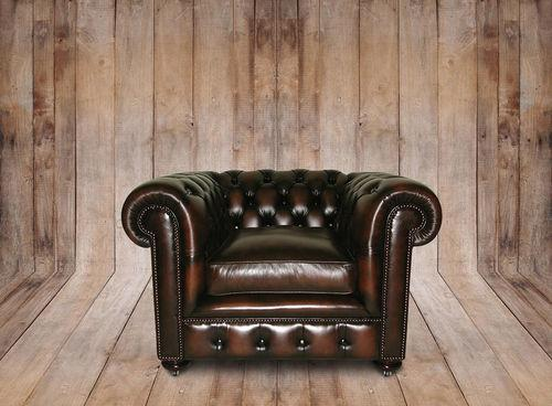 Poltrona Chesterfield in pelle, di Kingsdome Forniture