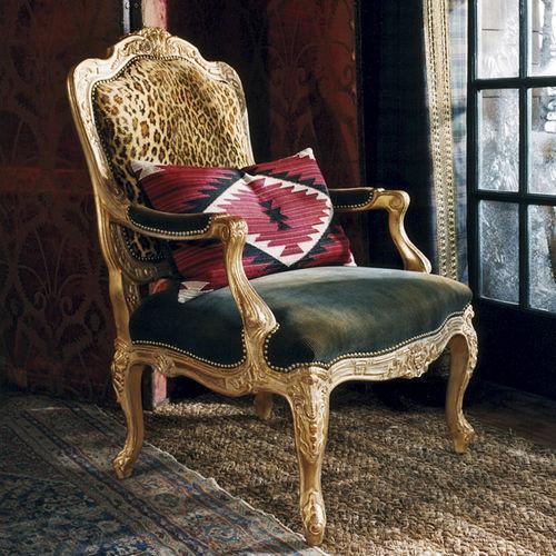 Poltrona in stile Luigi XV, offerta da Ralph Lauren