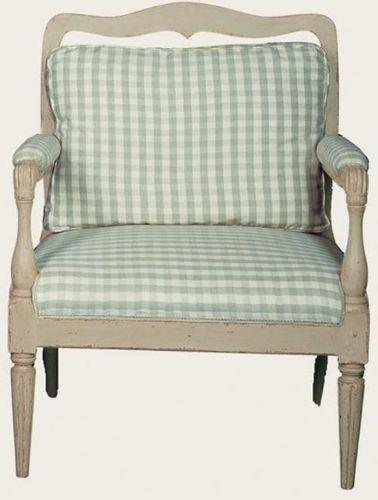 Chelse Textiles Ltd: poltrona in stile gustaviano