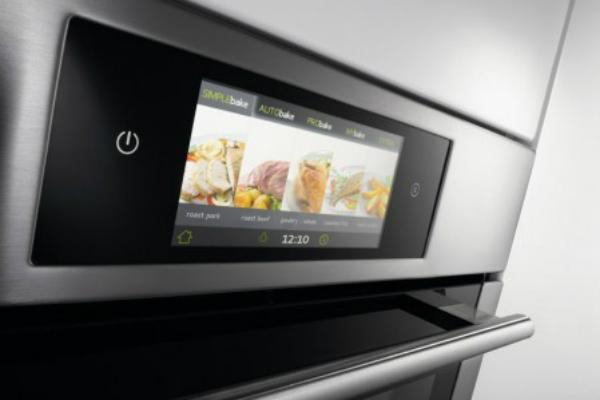 Forno touch screen IChef di Gorenje