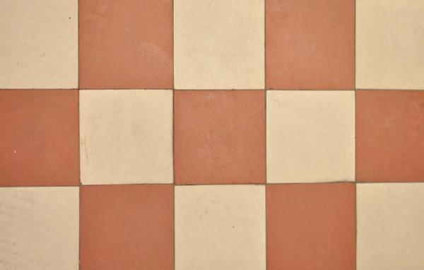 Fughe per pavimenti: scelta del colore stuccatura e ripristino