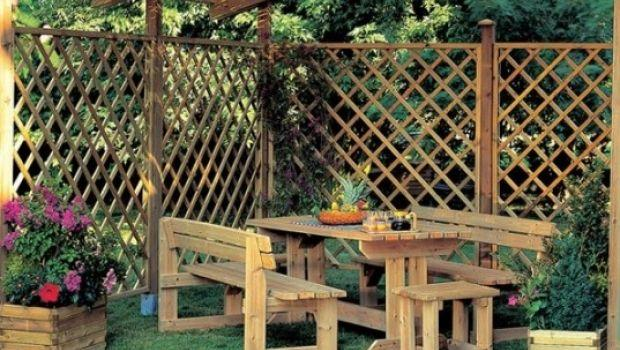 Pannelli frangisole e frangivento, come arredare e proteggere giardini e terrazzi