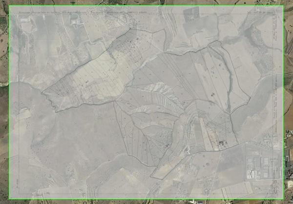 Mappa in trasparenza su foto aerea Google Earth