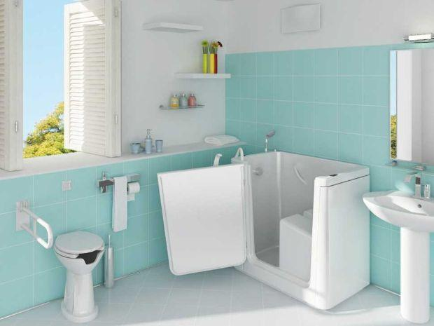 Vasca da bagno piccola con sportello