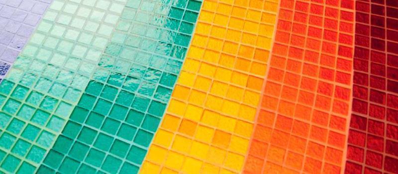 Colorare fughe piastrelle con Starlike Crystal per mosaici in vetro by Litokol