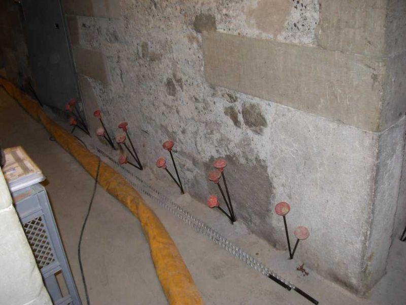 Consolidamento fondazioni con iniezioni di resine espandenti