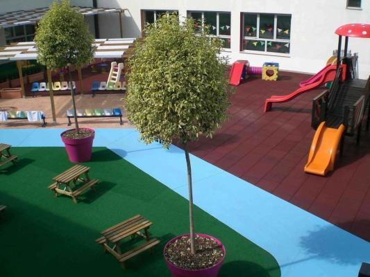 Pavimenti in epdm di giwa in una scuola dell'infanzia