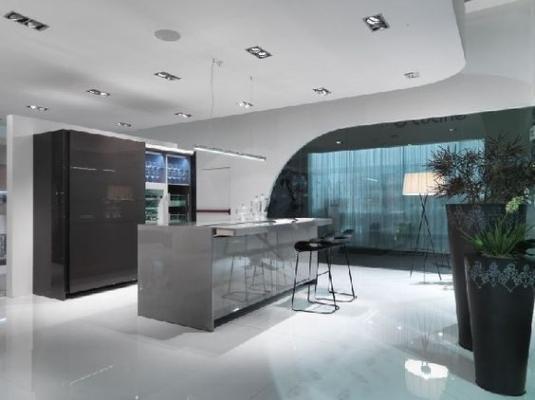 Cucina Linea Quattro Ambra Arca: una fluida atmosfera d'interni
