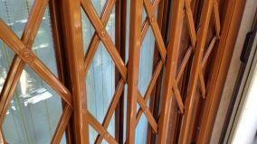 Proteggere la casa con cancelletti estensibili di sicurezza
