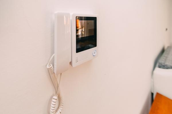 Videocitofono senza fili a parete