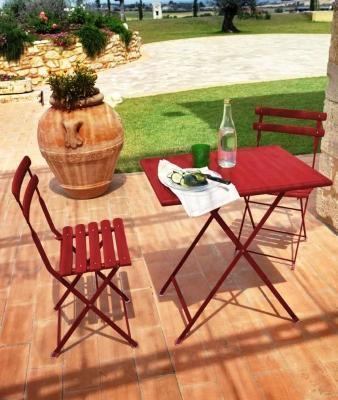 Emu Arc En Ciel: tavolino e sedie pieghevoli da esterno, anche per piccoli spazi