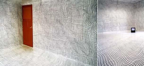 Resine e pennarelli: installazione psichedelica di Heike Weber