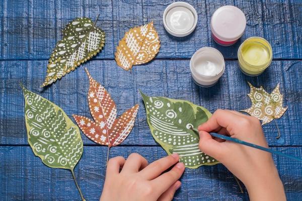 Quadro con foglie: le decorazioni