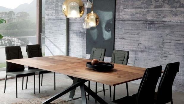 Come arredare piccoli ambienti con tavoli allungabili salvaspazio