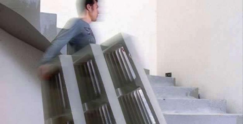 La praticità d'installazione dei casseri Scawo® Metallconcept, per scalini in cemento