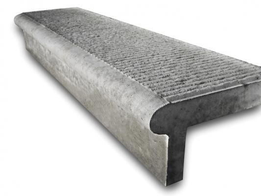Gradino prefabbricato simil pietra, realizzazione Rossetti Prefabbricati