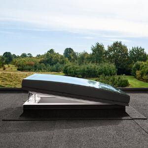 Finestre da tetto piatto con vetro curvo VELUX