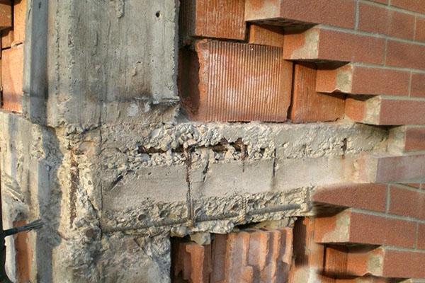 Le facciate: danno nodo trave pilastro