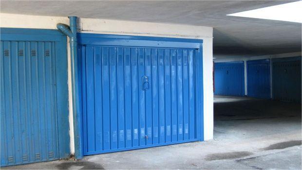 Porte basculanti per garage, modelli e tipologie