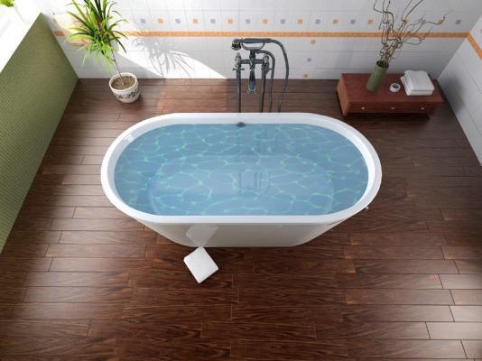 Pavimento bagno realizzato con piastrelle effetto legno