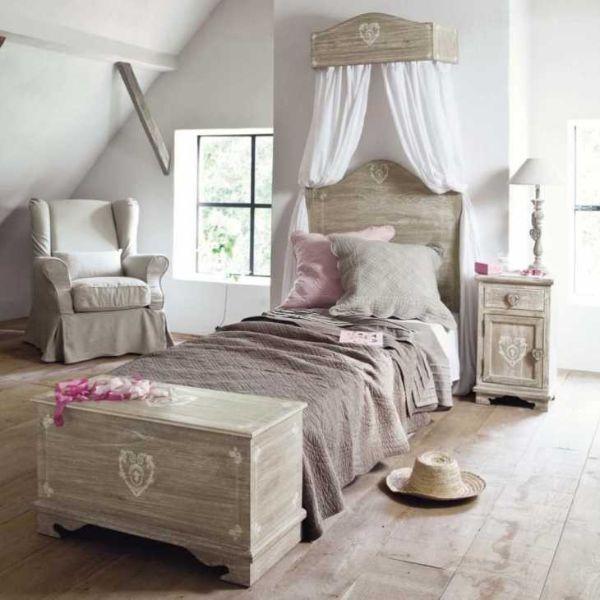 Camera da letto completa in stile provenzale modello Camille di maisons du Monde