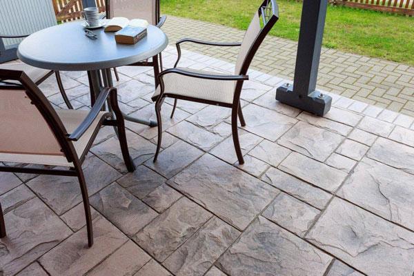 Design Systems: pavimenti in cemento stampato