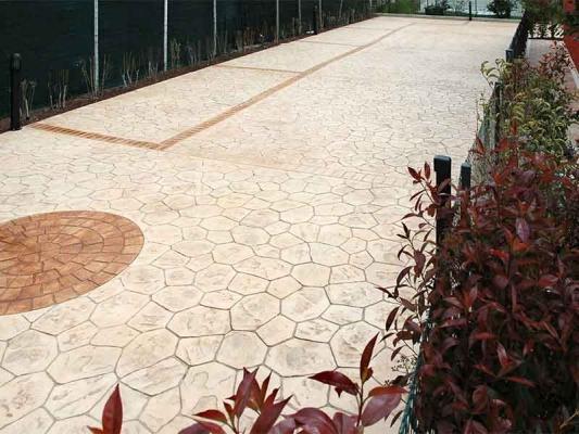 Pavimentazione in cemento stampato di Ideal Work Srl