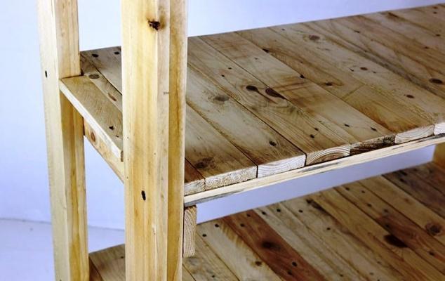 Arredopallet: particolare scaffalatura in legno