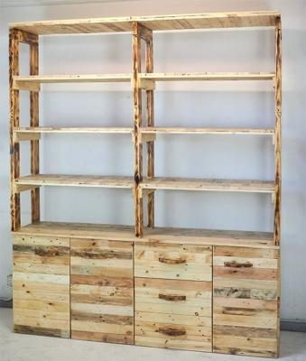 Scaffalatura a mensole e cassetti in legno naturale Arredopallet