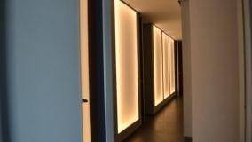 Pannelli retroilluminati per dividere gli spazi e decorare gli interni