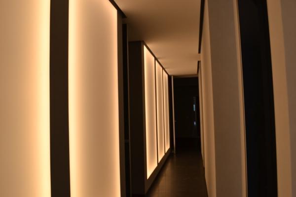 Pannelli retroilluminati luce soffusa - foto di Enkos srl impresa edile