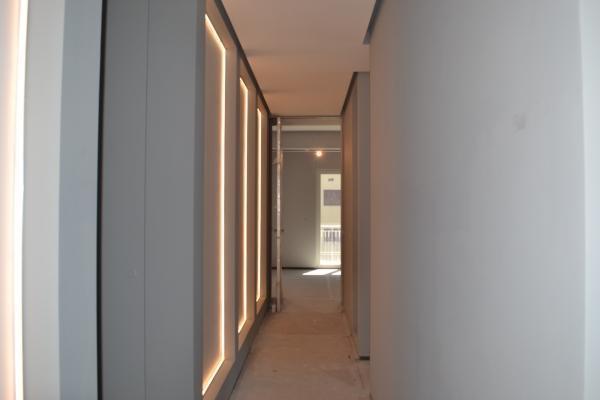Prova illuminazione pannelli - foto di Enkos srl impresa edile