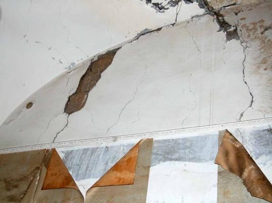 Edificio storico: lesioni in una volta a vela