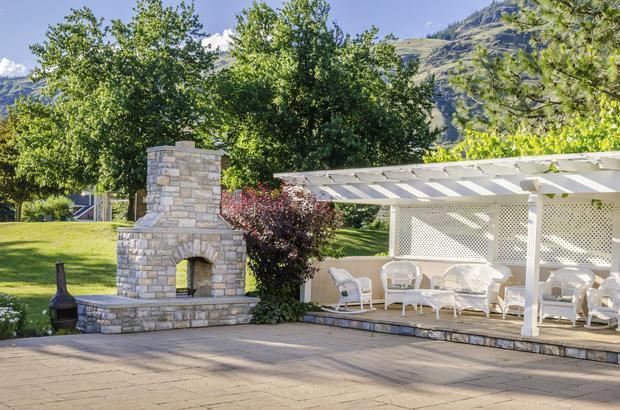 I permessi per la veranda for Piani per gazebo con camino