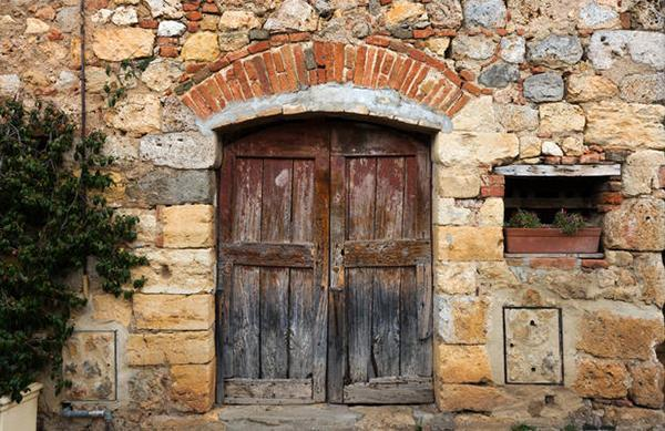 Il recupero di un edificio rurale non deve cancellare i segni del tempo