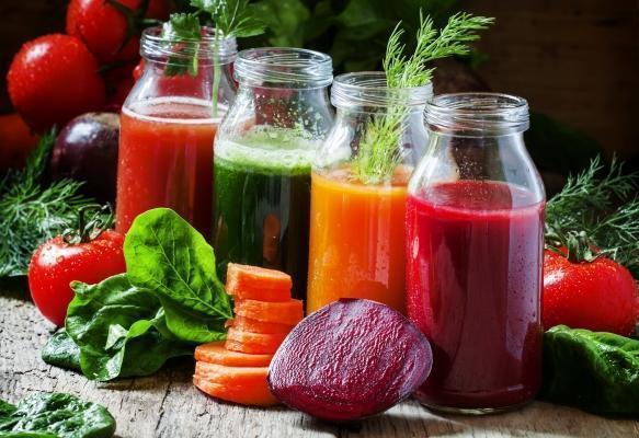 Estratti a freddo di barbabietole, carote, insalata