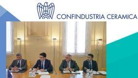 Note positive dall'industria ceramica italiana