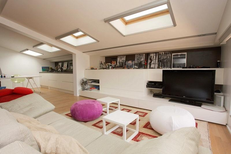 Ambiente soggiorno in mansarda, come illuminare lo spazio