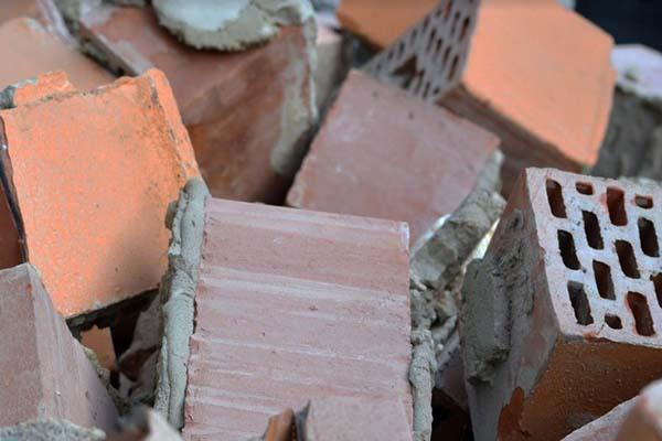 Recuperare i materiali da una demolizione: laterizi
