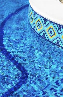 Rivestimenti per piscine for Pavimenti per piscine prezzi