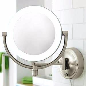 Idee bagno: specchio luminoso per il trucco