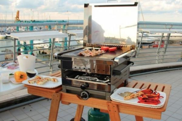 Barbecue-forno: Ecocooker doppia cottura in evidenza